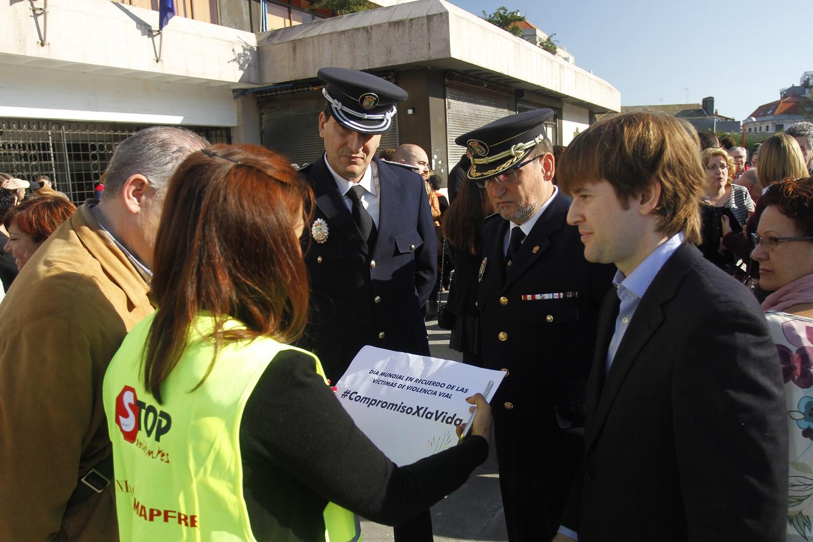 O director da axencia galega de infraestruturas axi for Oficina trafico vigo